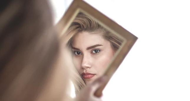 Cómo eliminar las manchas de tu piel de forma natural | humalik
